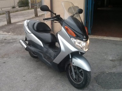 Scooter Suzuky Burgman 150 for rent