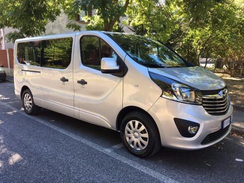 Opel Vivaro long wheelbase 9 seats